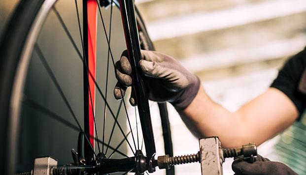 atelier réparation roues vélo