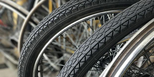 révision pneus vélos cyclos